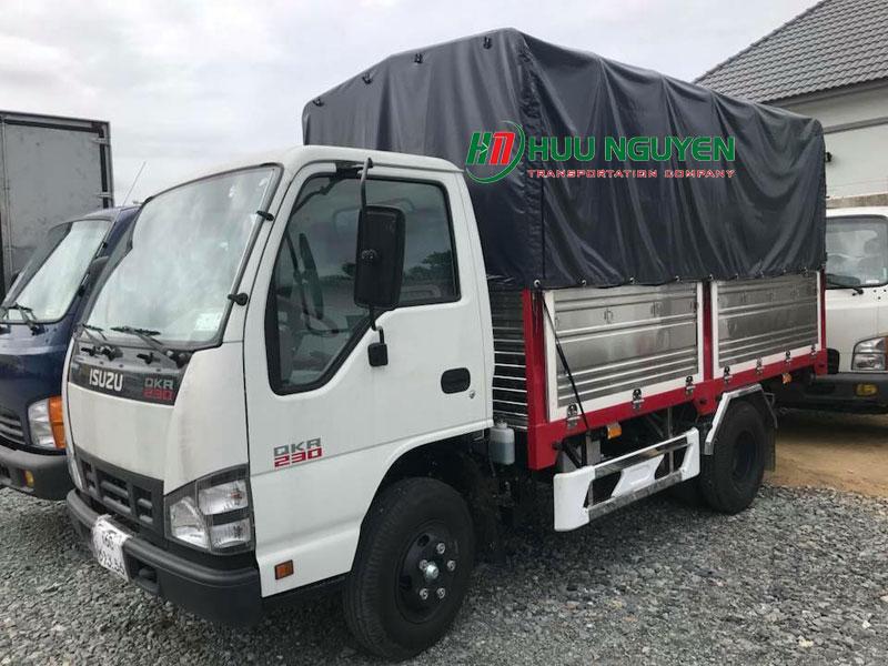 Cho thuê xe tải 2 tấn chở hàng giá rẻ tại TPHCM.