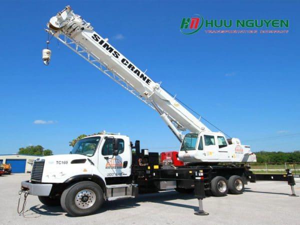 Dịch vụ cẩu nâng hạ máy móc tại HCM